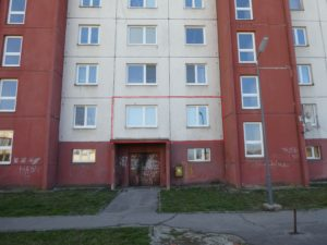 NOVÉ !!! DRAŽBA ! 1 izbový byt s príslušenstvom na 1.poschdí na ul. FARSKÁ LÚKA 1633/78  vo FIĽAKOVE. DRAŽBA !!! v 10.00 hod. za 9.900 eur